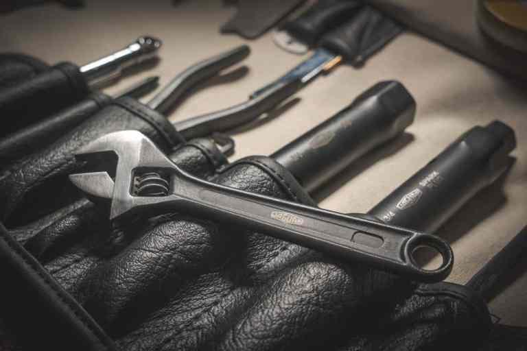 Jaguar Classic hat den originalen Werkzeugsatz des legendären E-Type neu aufgelegt.