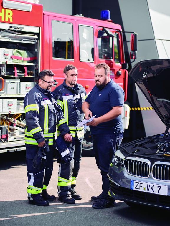 ZF schult Brandbekämpfer