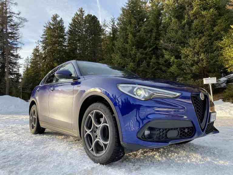 "Alfa Romeo Stelvio ""Sprint"" (190 PS)"