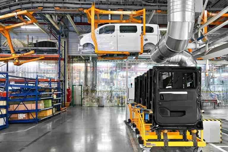 Produktion des Opel Zafira Life im PSA-Werk in Kaluga.