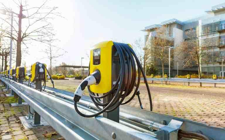 Ladestationen auf dem Opel-Campus.