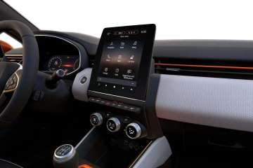 """Renault bringt das Online-Multimediasystem """"Easy Link"""" in die Modelle Clio, Captur und Zoe"""