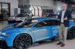 Technik-Chef Stefan Ellrott beschreibt alle Finessen des Bugatti Chiron Pur Sport. © Bugatti