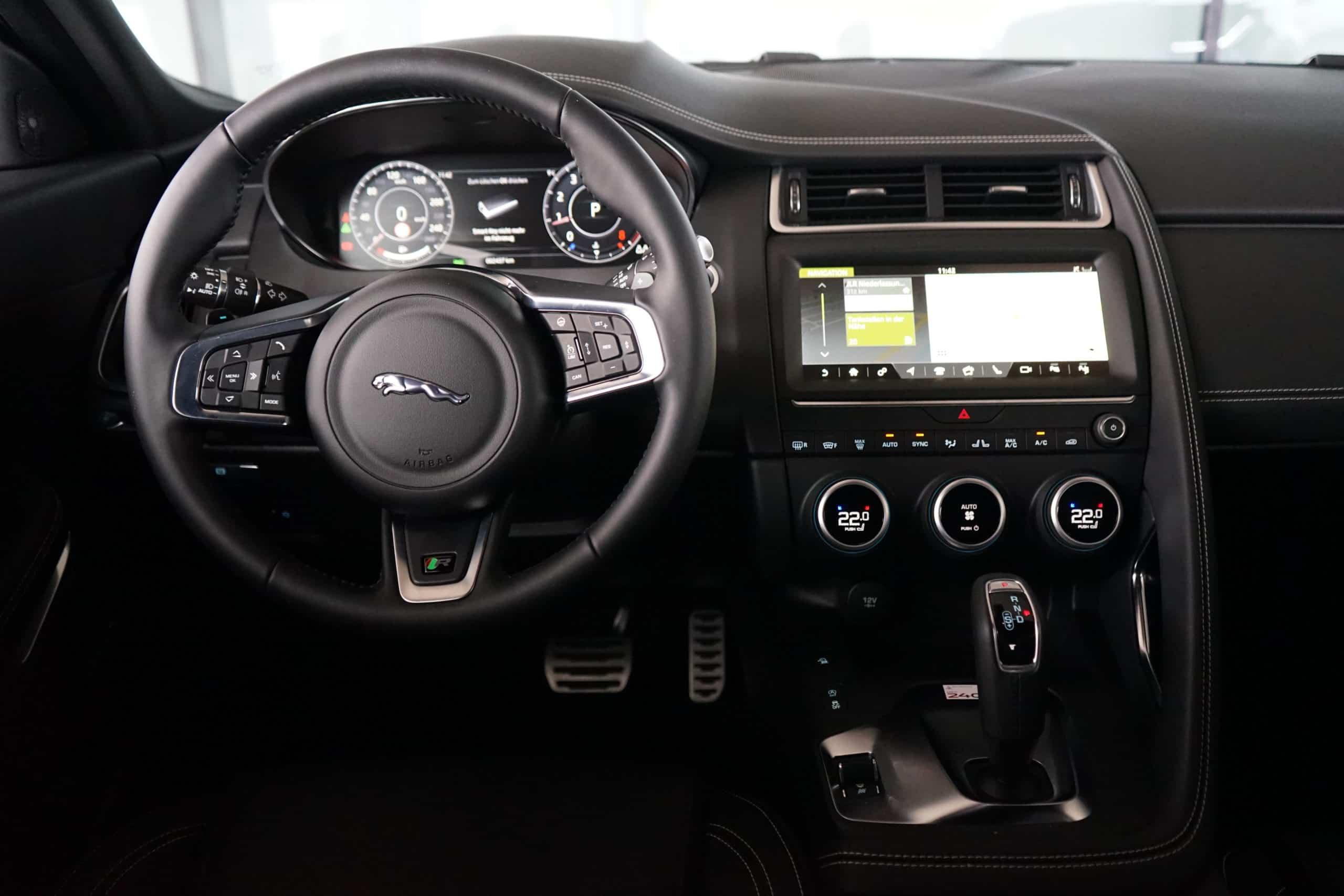"""Jaguar E-Pace P200 """"R-Dynamic S"""" (200 PS)"""