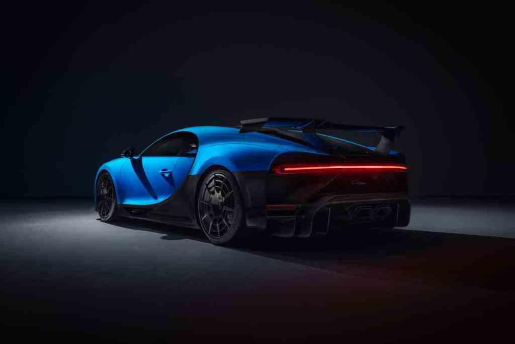 Bugatti inszeniert den Chiron Pur Sport online