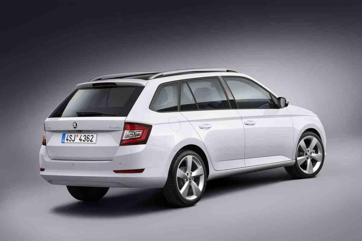 Der neue 1,0 MPI-Einstiegsbenziner leistet 44 kW (60 PS) ud ist mit manuellem 5-Gang-Getriebe kombiniert.
