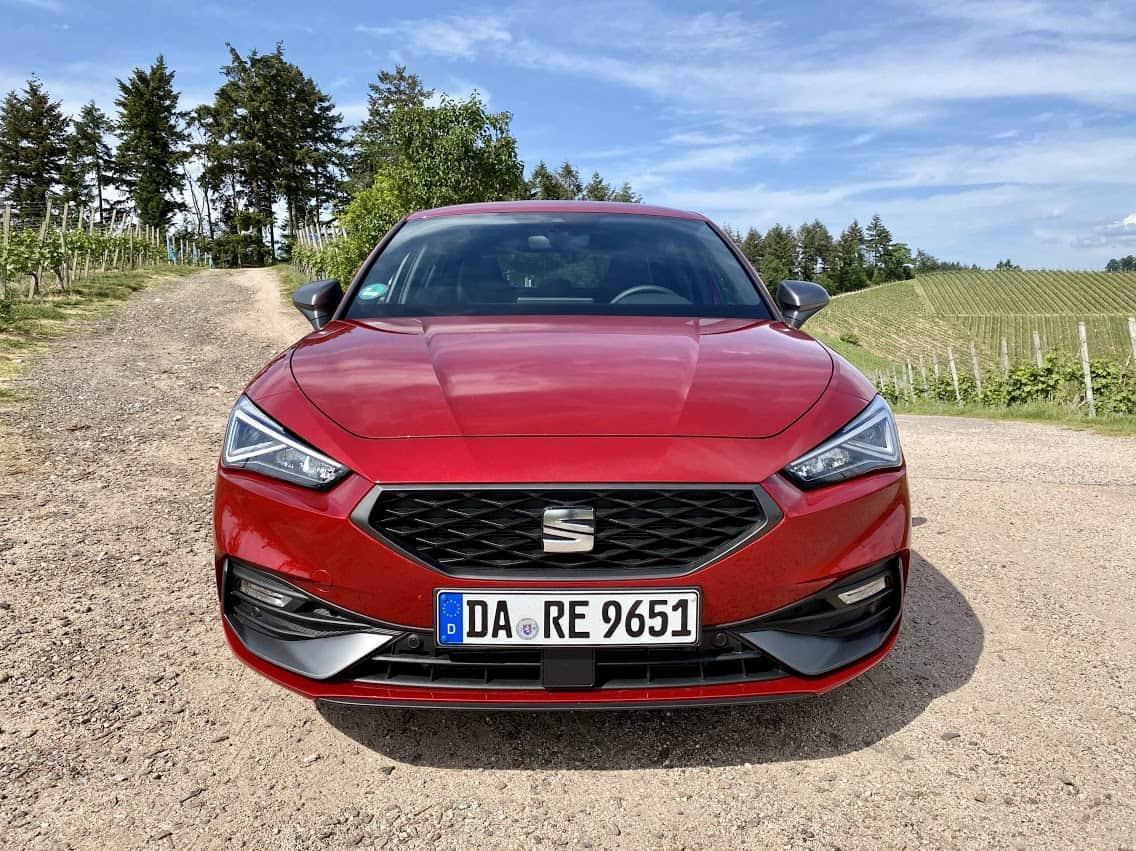 (2020) Seat Leon FR 1.5 eTSI ACT 7-Gang DSG,front