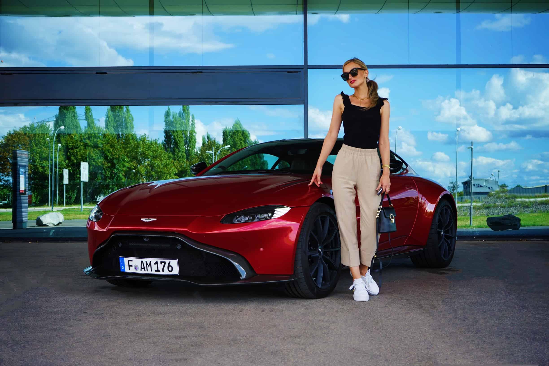 (2020) Aston Martin Vantage 4.0 V8 , NinaCarMaria