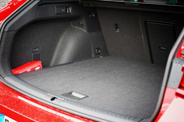 2020 Seat Leon Sportstourer FR 1.5 eTSI [150 PS] Hola! I Meine Eindrücke I Test I Review, kofferraum