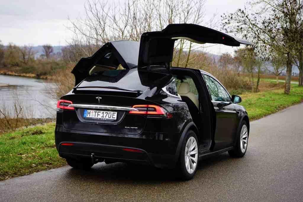 Tesla legt nach: Facelift und über 1000 PS für die Modelle S und X