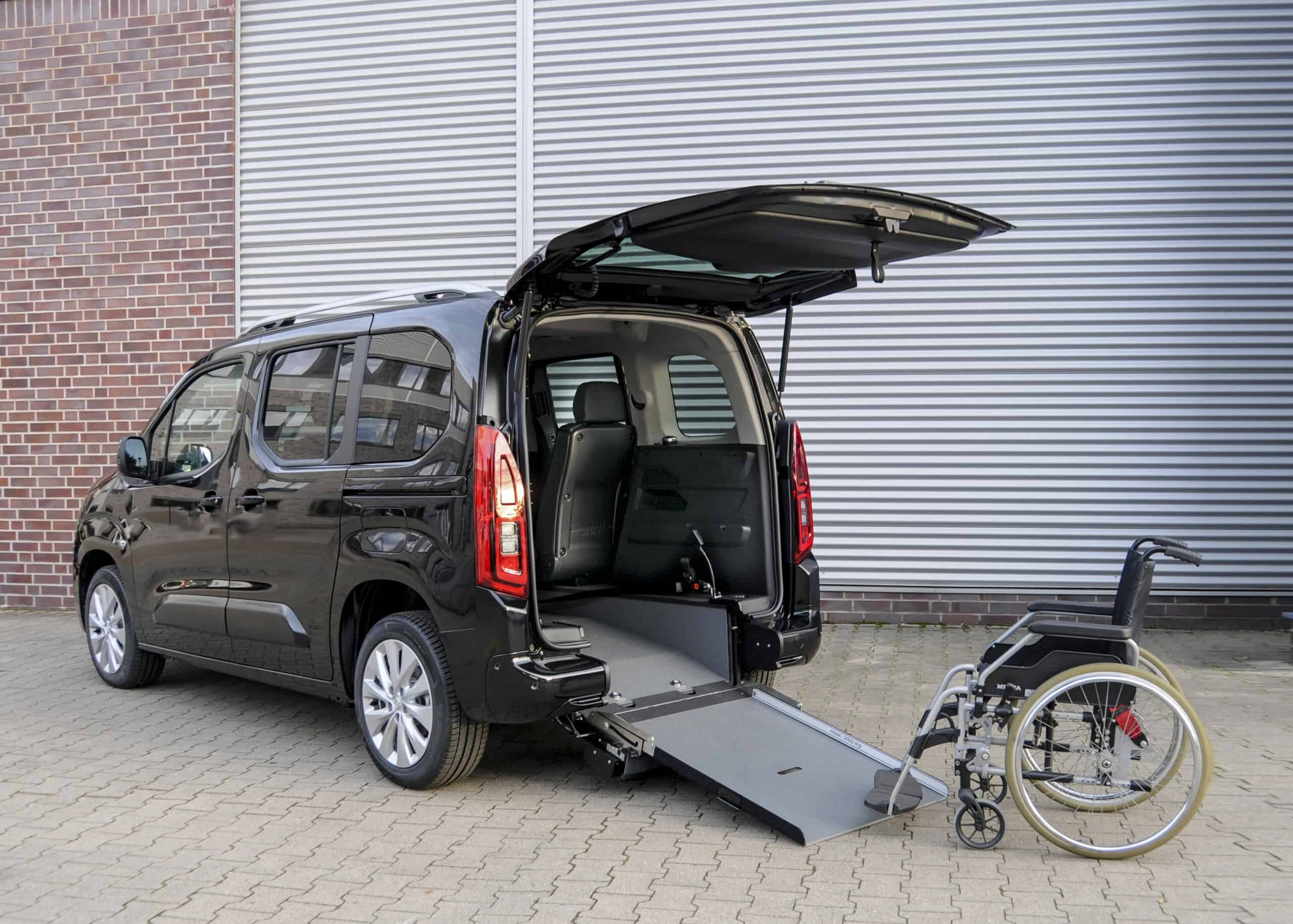 Opel Zafira-e Life als rollstuhlgerechter Elektro-Van