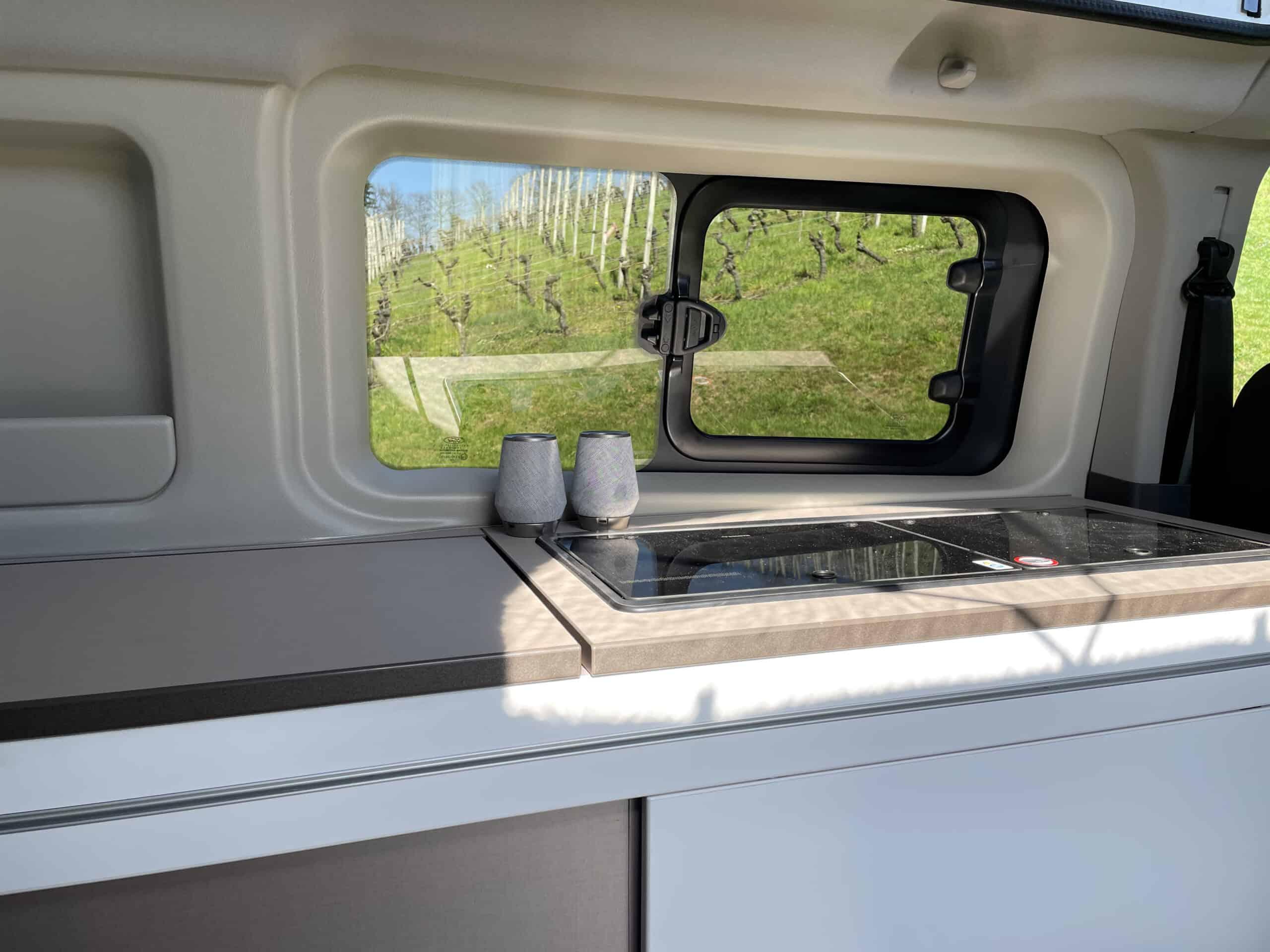 Bürstner Copa - Neuer CamperVan auf Ford Transit Basis, Küche