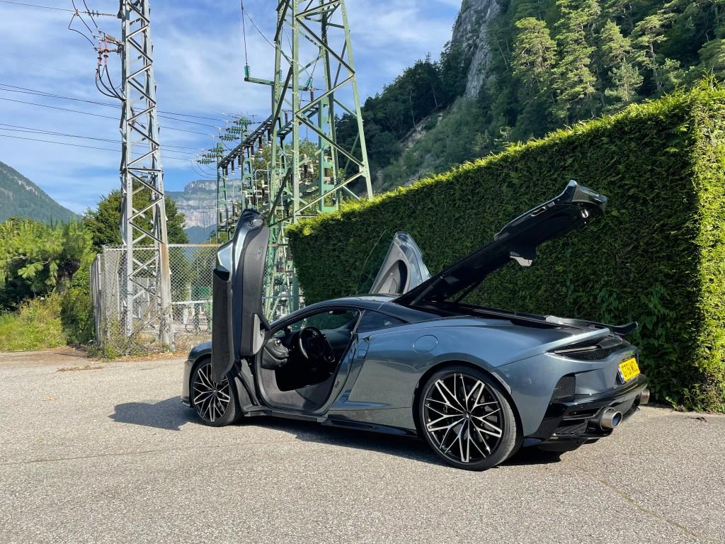 (2021) McLaren GT - Mit 620 PS auf kurvigen Bergstraßen um den Genfer See