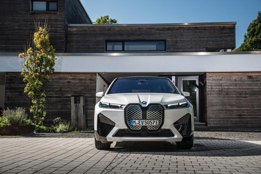 BMW iX xDrive50 (2022) - Das Design-Statement