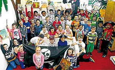 Kleine Lese-Piraten auf Schatzsuche