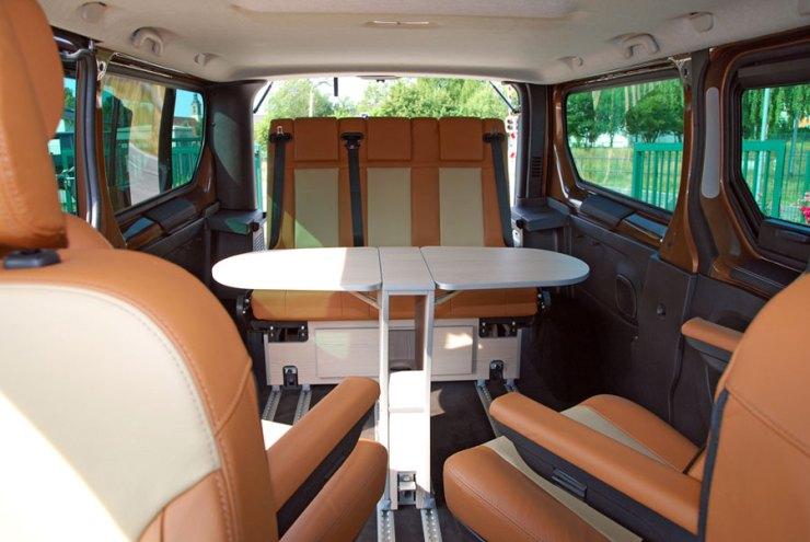 Opel-Vivaro-als-Lifestyle-Variante_-(4)