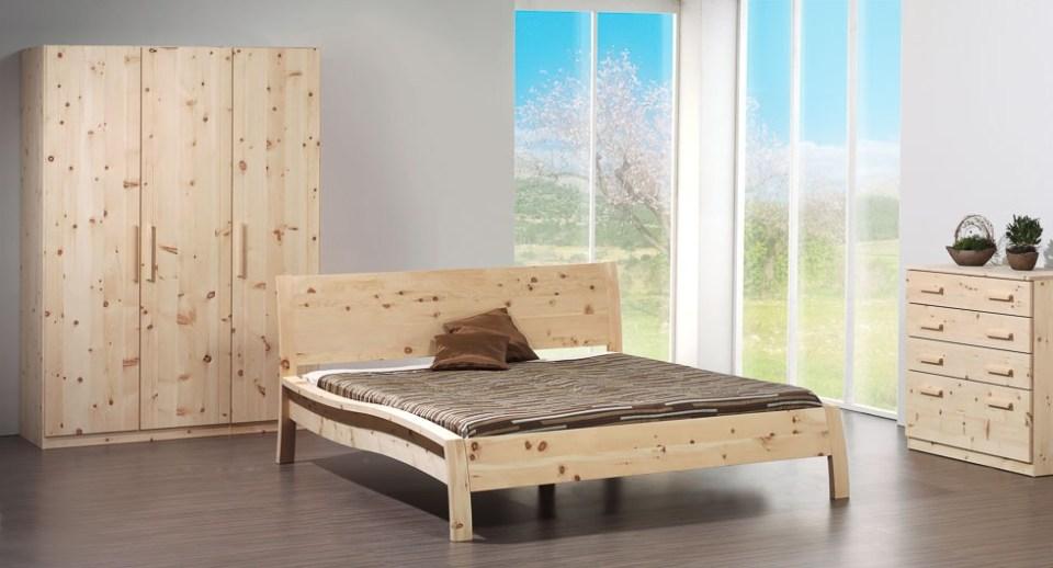 Zirbenholzbett aus echtem Zirbenholz vom Schreiner