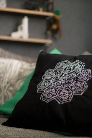 Kissen DIY Nähen Sticken Hotelverschloss schwarz weiß grün Samt-16
