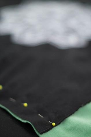 Kissen DIY Nähen Sticken Hotelverschloss schwarz weiß grün Samt-7