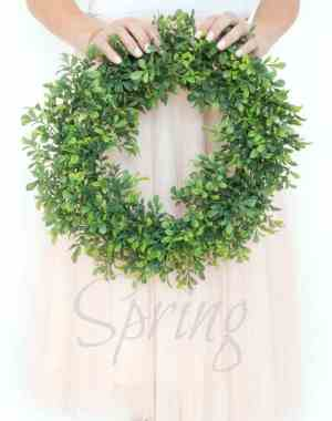 How to make a unique and beautiful spring wreath on a budget