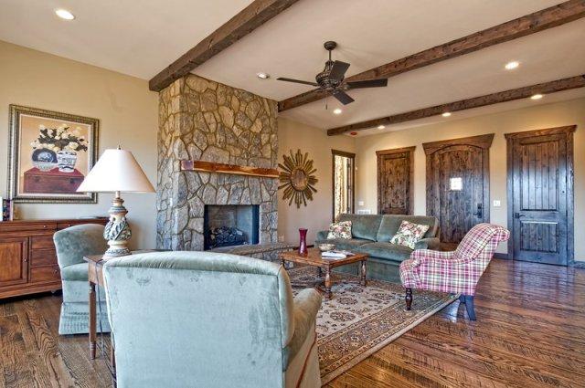 10 foot ceilings living room for Living room 10 feet