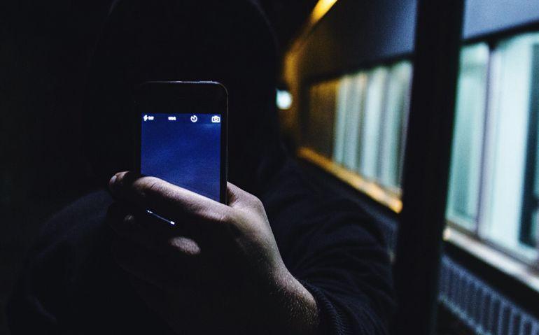 Condenado un hombre por enviar mensajes intimidatorios por WhatsApp a su expareja.