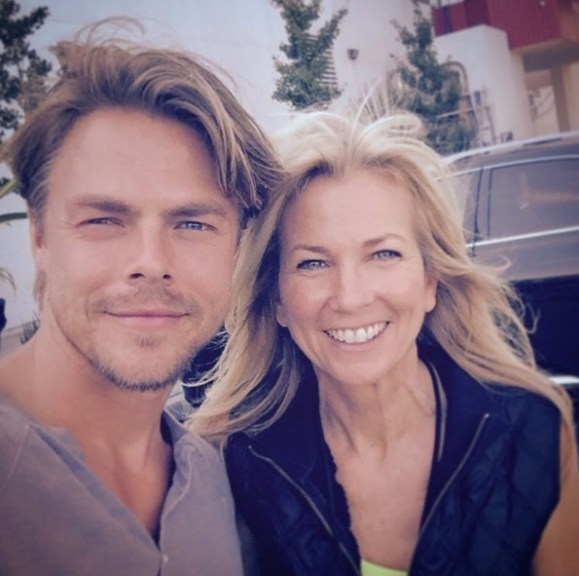 """Look who I #raninto #yesterday at #werk @derekhough !! @SYTYCD Then he invited me to #MOVEinteractive #today with his sister @juleshough They hosted #iamjjdancer teaching @justdancelosangeles free workout!! #Health + #Art = ❤️ #kerektliving 🌱#BoogieBands 💃 SOOO much #fun... Don't miss the next one!!! ✨ #word 👍👌🙏💕 #doingsomethingdifferent"" - August 23, 2016 Courtesy tonihudson9 IG"