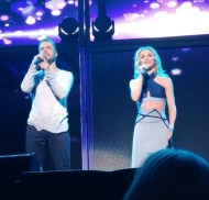 """This @moveliveontour show tonight was🔥@derekhough and @juleshough sure do know how to put on an amazing show! #MoveBeyond #MoveLiveOnTour #MotionEqualsEmotion #Siblings"" - Move Beyond - Boston, Massachusetts - May 5, 2017 Courtesy anniel315 IG"