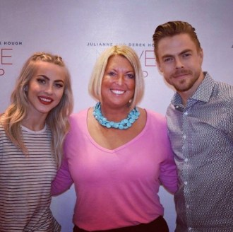 """Thank you @derekhough and @juleshough for another fun night! This was my 3rd Move Tour! #movebeyond #derekhough #juleshough #derekwearsashirt #movebeyondtour"" - Move Beyond - Durham, North Carolina - May 9, 2017 Courtesy lightscmemories IG"