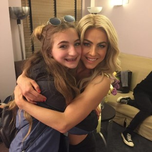 """Aunt Jules and Skye before the big show! #movebeyond #family"" - Move Beyond - New York - May 6, 2017 Courtesy shareewise IG"