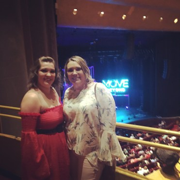 """I had an amazing night with my mom at the Move Beyond Live tonight. It was an awesome show but I would expect anything less from Julianne & Derek Hough. Thank you mom. One of the best birthday gifts yet! 😘 #movebeyond #happybirthdaytome @lisar0205 @juleshough @derekhough"" Courtesy lloveless0608 ig"