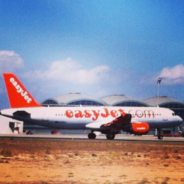 #alicante #airport #aeropuerto #costablanca #spain #españa #london #londres #gatwick #u28666 #ezy8666 #easyjet - from Instagram