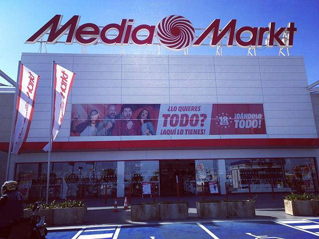 #mediamarkt #autohash #Alacant #Spain #ComunidadValenciana #stock #people #commerce #outdoors #business #signal #market #billboard #shopping #architecture #shop #city #street #road #competition #tourism #travel #traveling #visiting #instatravel #instago #sunblind #tourist - from Instagram
