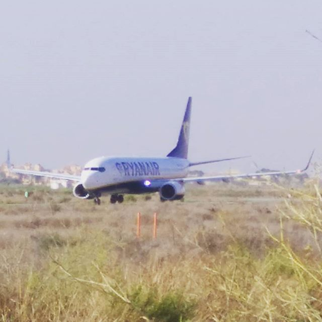 #autohash #Torrevieja #Spain #ComunidadValenciana #airplane #aircraft #flight #airport #air #jet #flying #wing #vehicle #travel #traveling #visiting #instatravel #instago #military #aviate #sky #engine #departure #turbine #takeoff #airliner #propeller #FR5946 #Ryanair - from Instagram