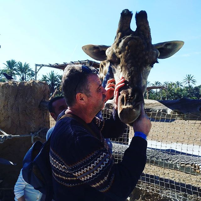 #girraffe #selfie #autohash #Elche #Elx #Spain #ComunidadValenciana #people #outdoors #travel #traveling #visiting #instatravel #instago #sky #nature #landscape  #daylight #summer #tourism #fun #portrait #vacation - from Instagram