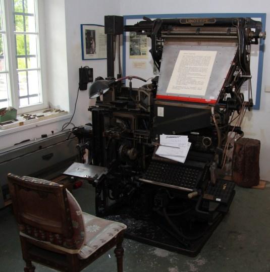 Eine alte Buchsatzmaschine.