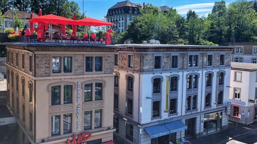 Hotel mit Dachbar Lausanne Flon, Teil des Blog-Beitrags Rooftop-Bars in der Schweiz: