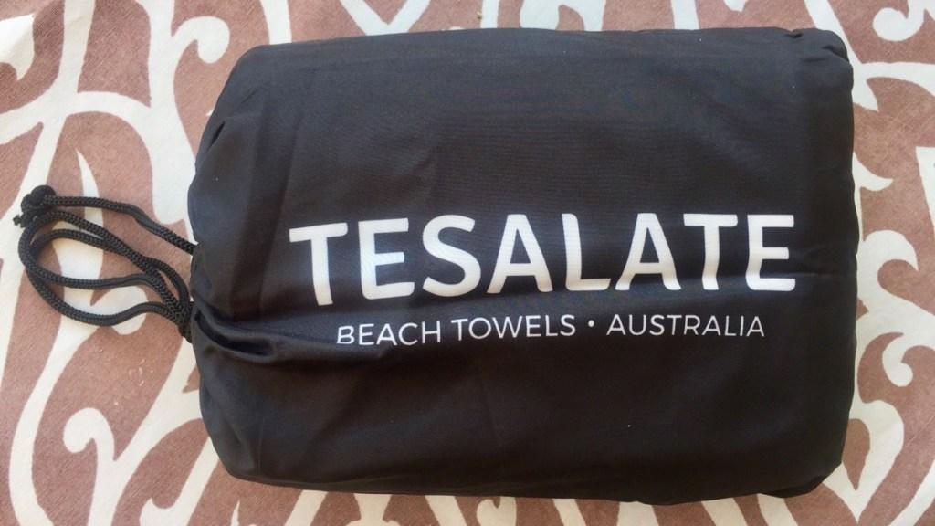 Sand free Beach Tuch Tesalate geprüft vom unabhängigen Reiseblog Internaut