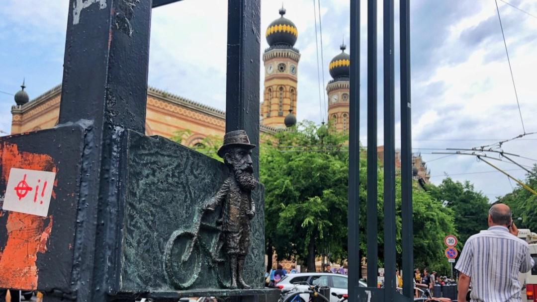 Theodor Herzl als Guerilla-Skulptur in Budapest, kostenlose Stadtführung Free Tour