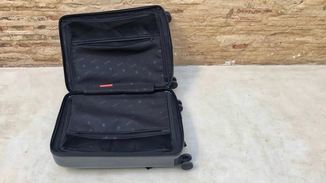 Smarter Koffer Jey & Em. Innenaufnahme vom Gepäckstück