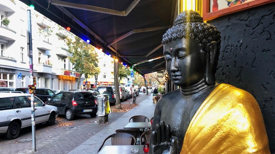 Weserstrasse Neukölln Berlin, Bild mit Buddha
