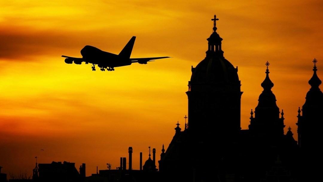 Ratgeber Thema Flugmeilen sammeln. Reiseblog Internaut im Gespräch mit Meilenberater Ravindra Bhagwanani.