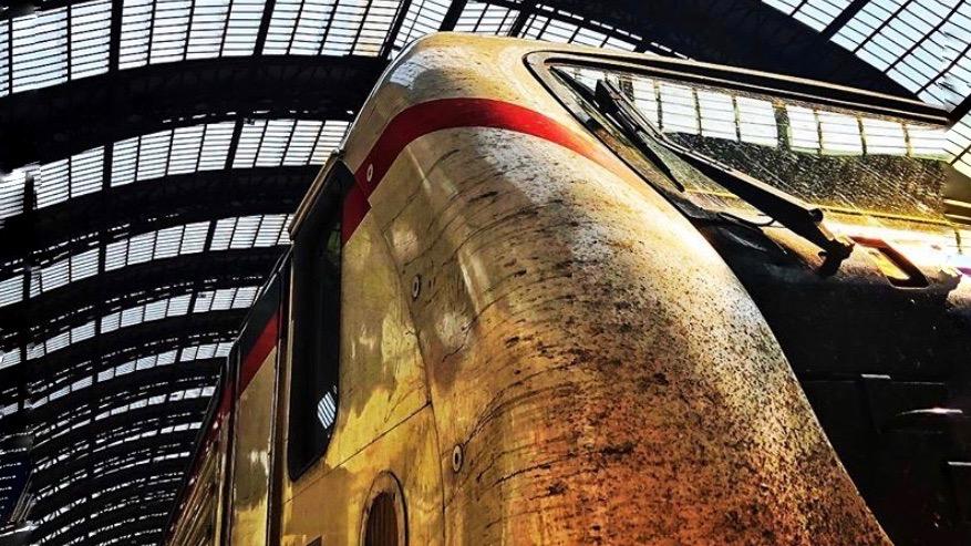 Lokomotive im Bahnhof Milano Centrale. Aus dem Blogpost von derinternau.ch: Bahnreise online in Europa .