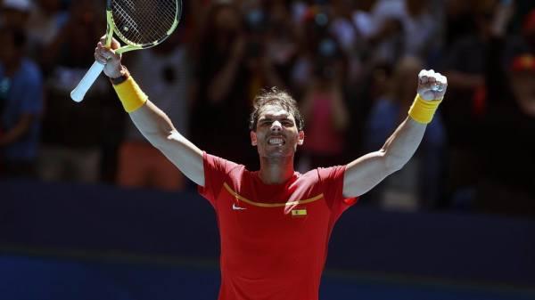 Spanien und Serbien mit glatten Siegen ins Viertelfinale