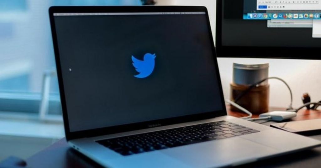 Twitter Hackers Get Twitter Accounts Hacked For A Bitcoin Scam_Derje