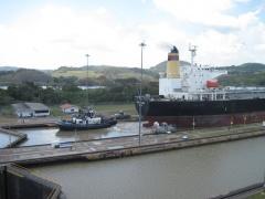 Grosses Schiff im Panamakanal