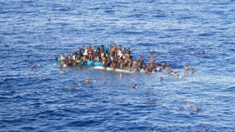 Fluechtlinge-auf-dem-Mittelmeer