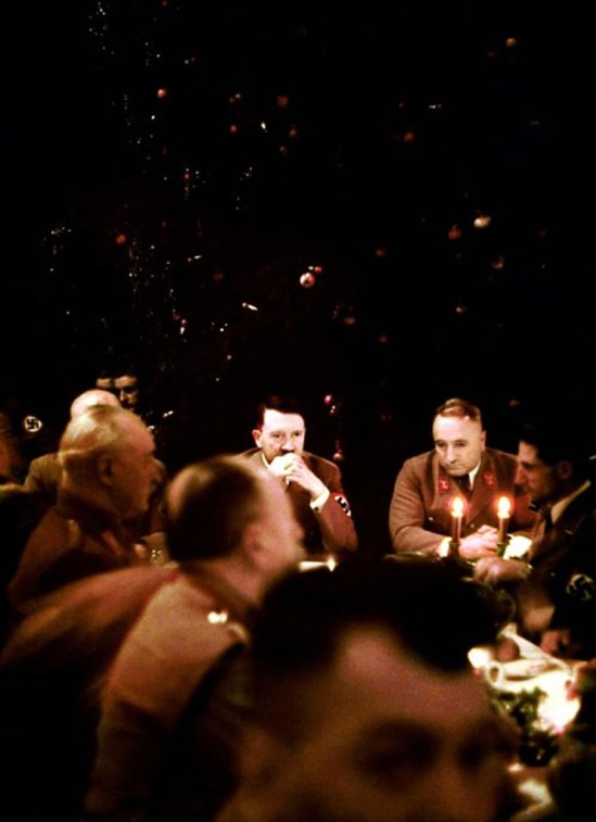 inside-a-nazi-christmas-party-hosted-by-adolf-hitler-1941-1