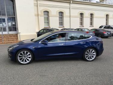 Tesla_Model_3_22