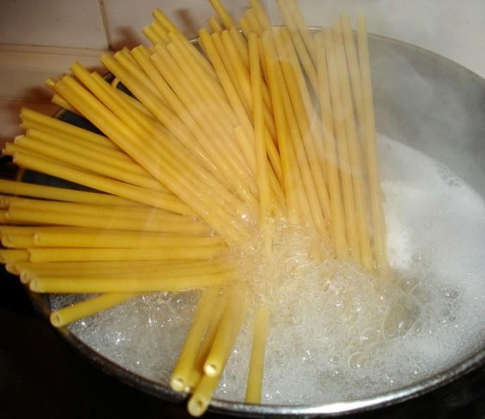 Makkaroni kochen